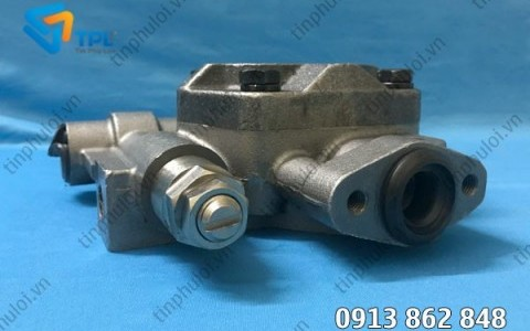 Bơm khiển cho máy PC150-3/PC150-5 - tinphuloi.vn